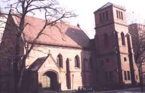 Alt-Katholische Kirche St. Willibrord, Backsteingebäude.